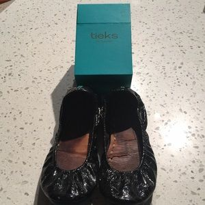 Poor condition Tieks: Obsidian black (7)